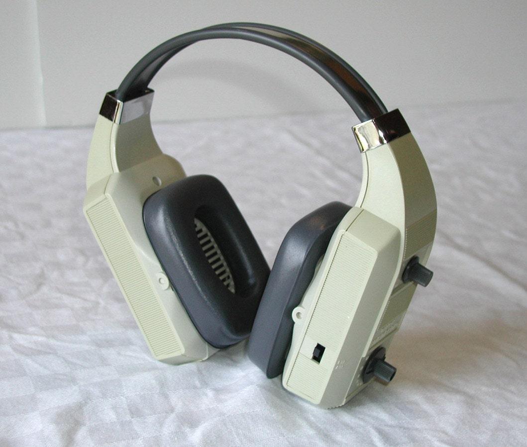 Realistic am fm radio