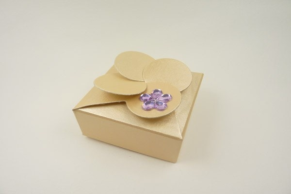 Gold Petal Top Wedding Favor Box Ideal for weddings table decoration