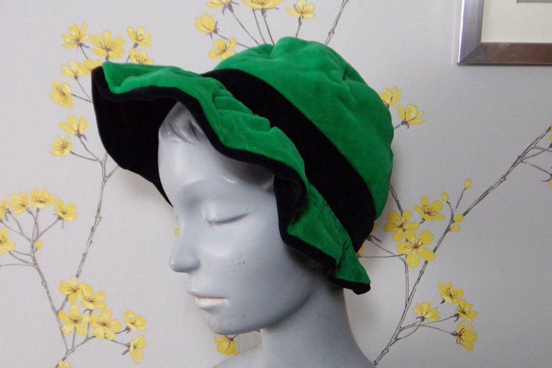 Vintage Late 50s early 60s Green Velvet Bonnet with Black Velvet Trim Green Velvet Hat