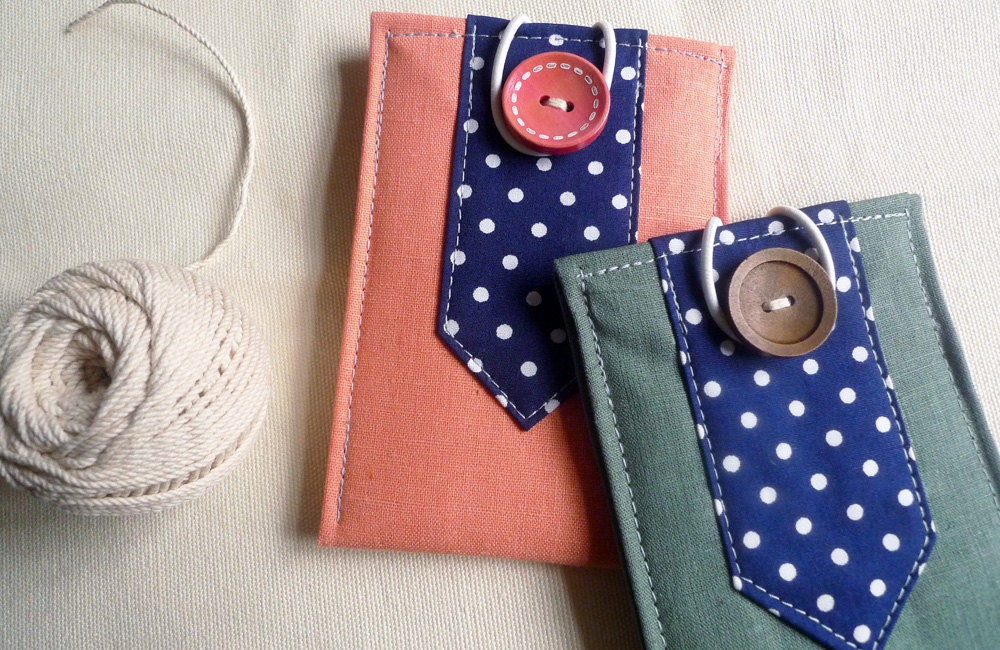 minimal pouch - Forest green on Navy polka dots - qtpiworkshop
