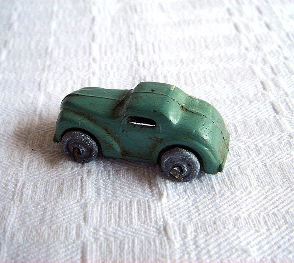 VIntage Painted Toy/Model Automobile with Movable Wheels - BlueOnionCurios
