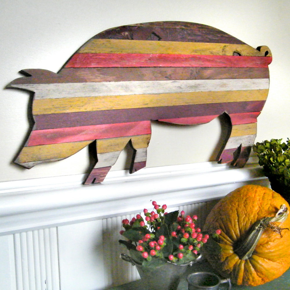 Pallet Wood Pig Customizable Piggy Wooden Barbecue Red Trim Kitchen Decor - SlippinSouthern