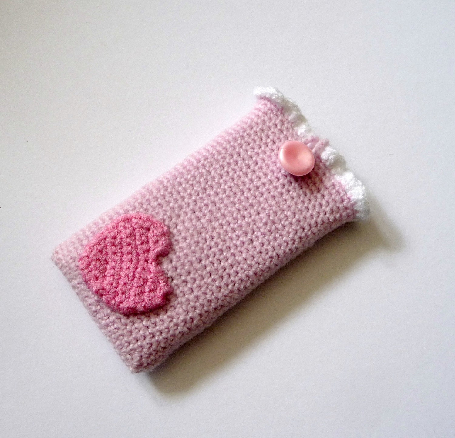 Free Crochet Pattern For I Phone Case : Items similar to Hearts and Frills - Crochet Phone / Ipod ...