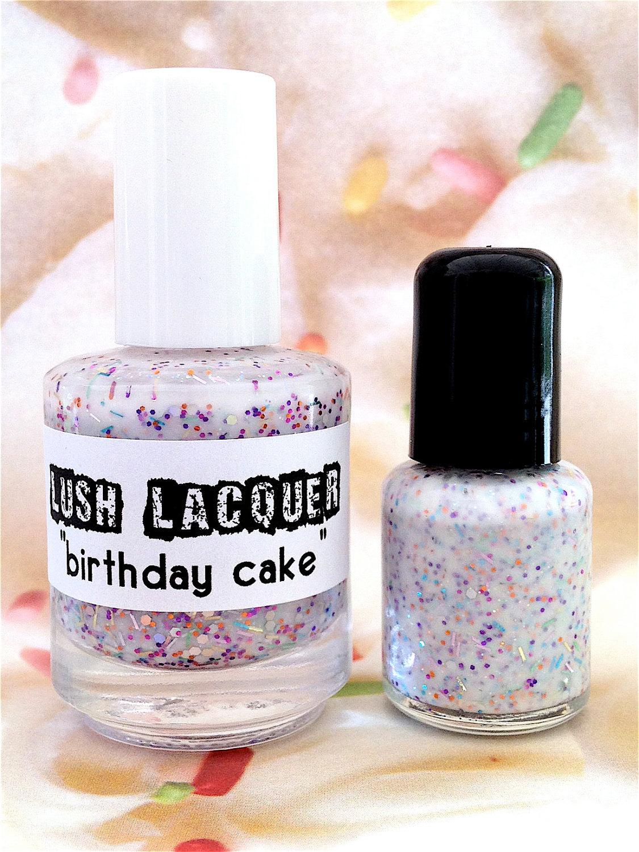 Vernis effet sprinkles de la marque Lush lacquer