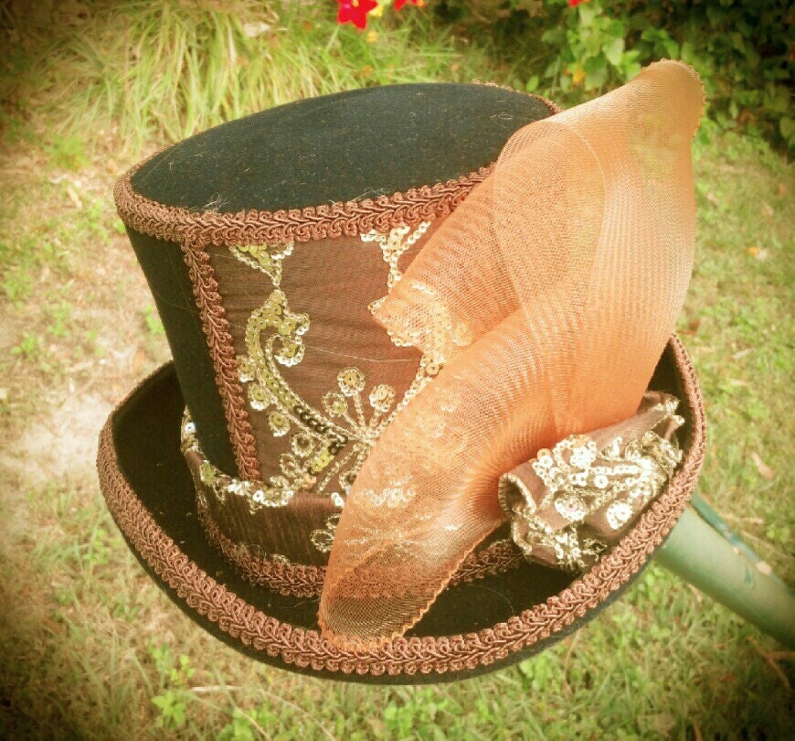 Equestrian Styled Australian Wool TopHat in Brown and Gold - TheScarlettRose