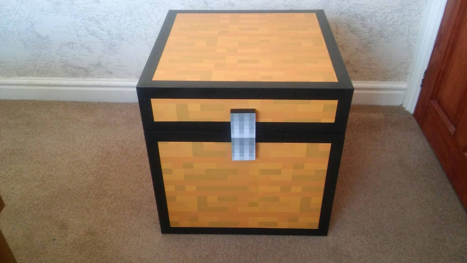 Large Minecraft Style toy  chest  (unofficial)