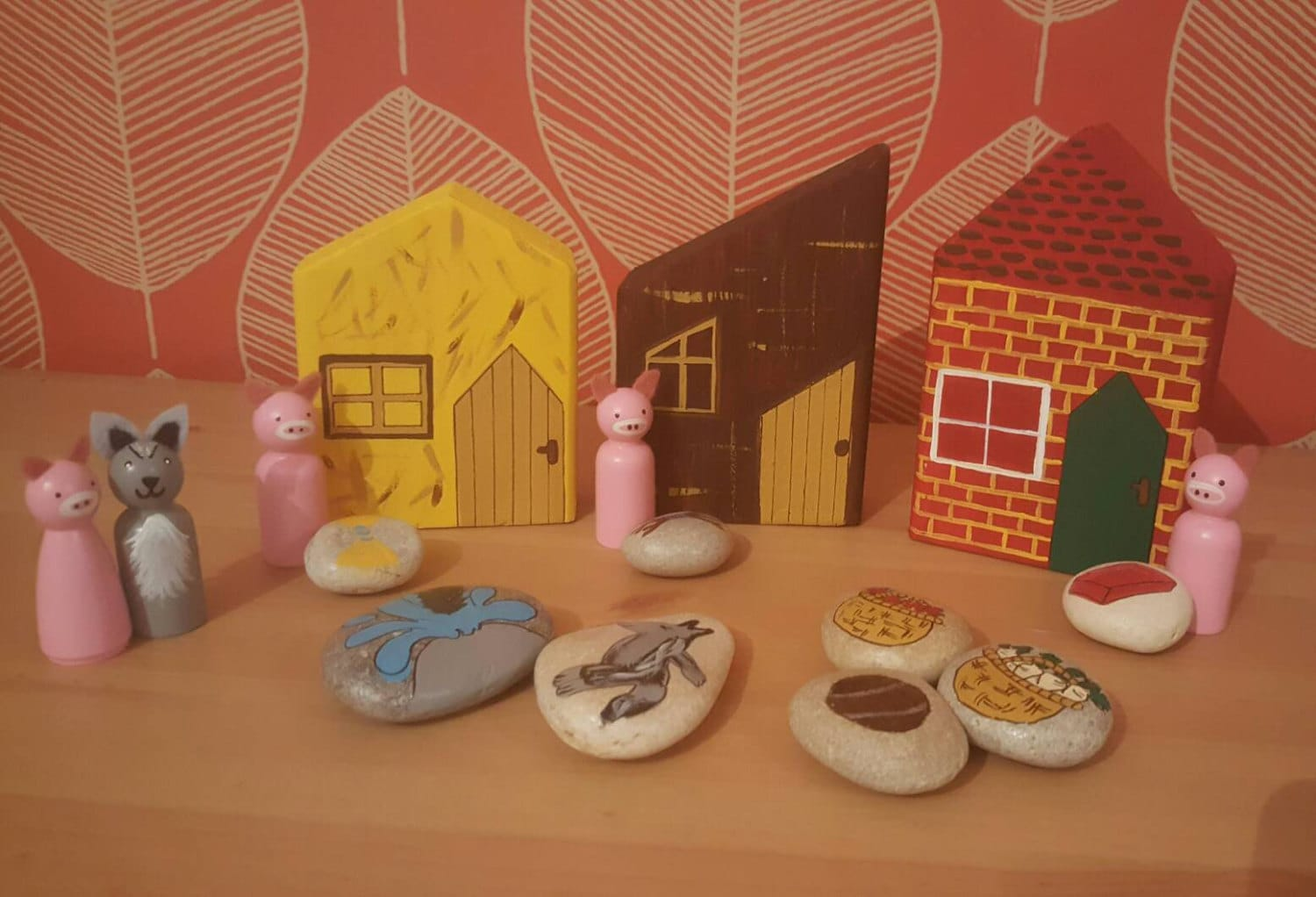 The Three Little Pigs Story bundle peg dolls story stone and wooden buildings