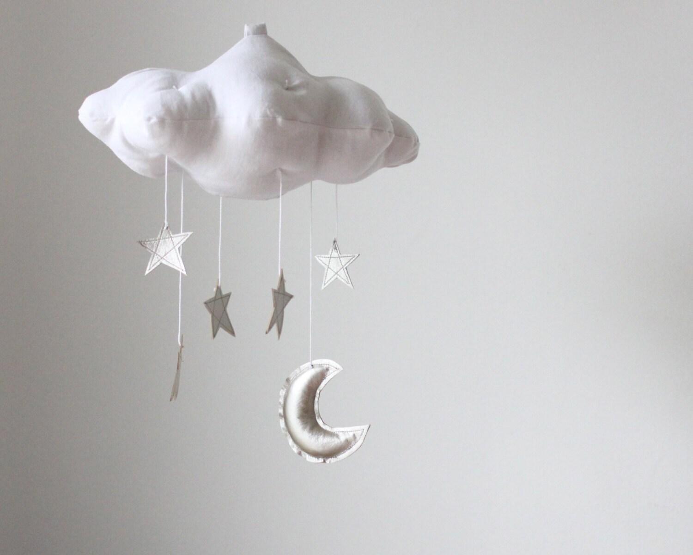 Luna de plata y estrella nube móvil - tela moderna escultura para bebé vivero decoración en lino blanco y metálico de piel sintética