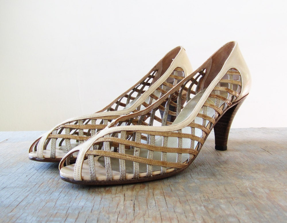 vintage metallic peep toe pumps / 1980s cage high heels / size  8.5