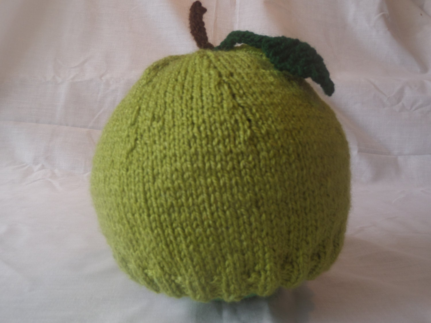 Hand Knitted Fresh Apple Beanie Hat (Baby Toddler and Child Sizes)