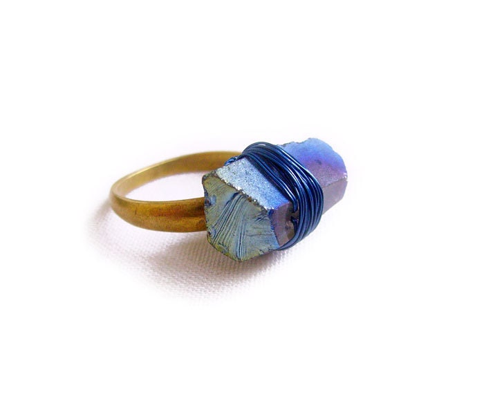 Wire Wrap Crystal Ring, Mystic Blue Quartz Crystal Ring Size 7 1/2 - Modern Tribal Lapidary Handmade Ring - AlinaandT