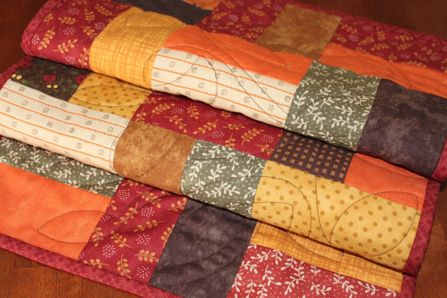 Thanksgiving Quilted Table Runner Patterns : Quilted Fall and Thanksgiving Table Runner by JennyMsQuilts