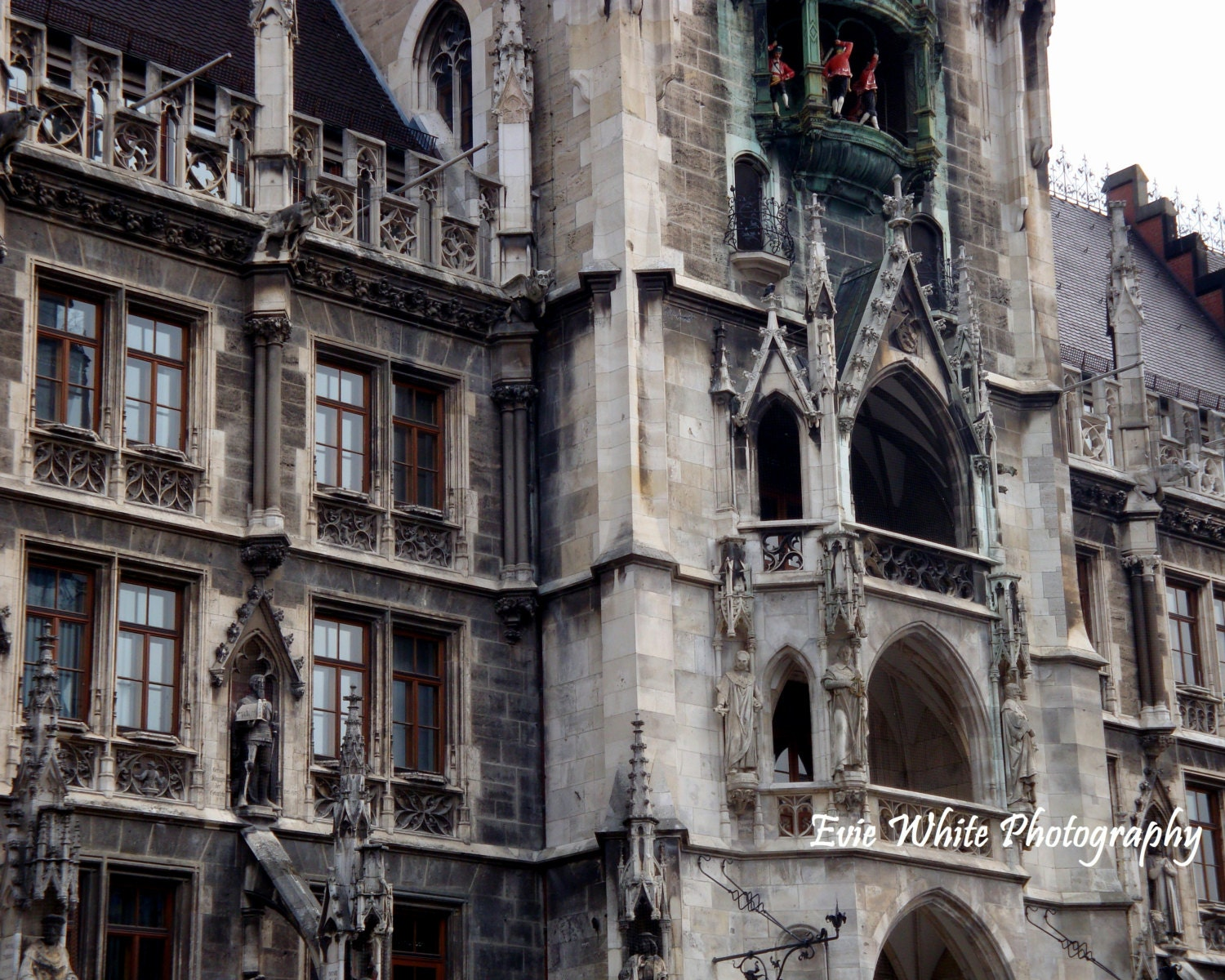 New Town Hall at Marienplatz in Munich, Germany - EvieWhitePhotography