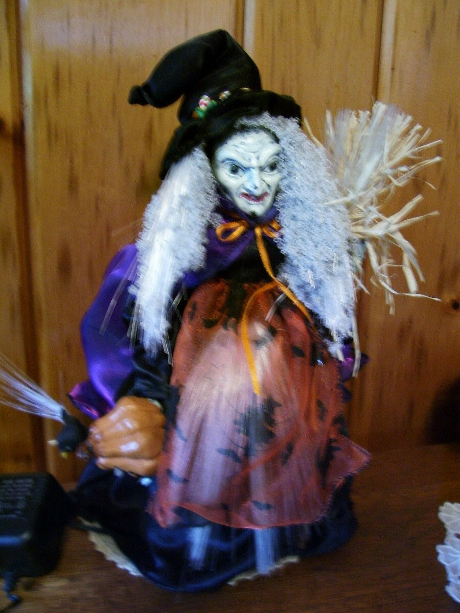 Vintage animated fiber optic halloween witch by thefunnybunny for Fiber optic halloween decorations home