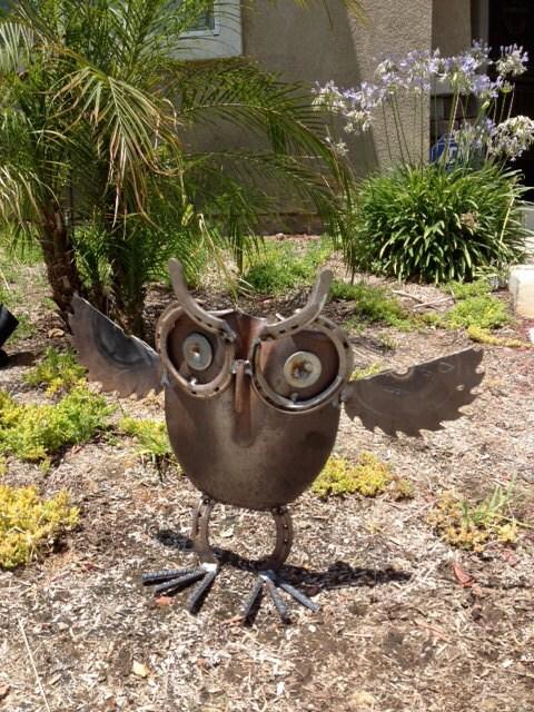 Садовые скульптуры своими руками из подручных