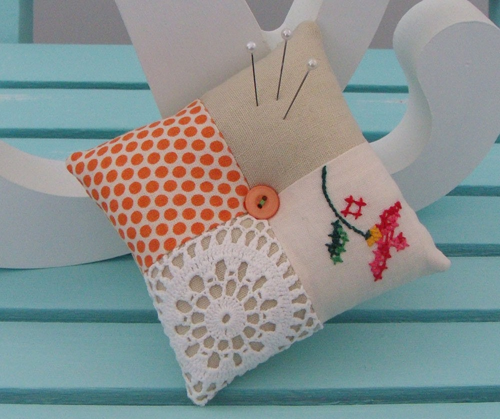 Patchwork Doily Pincushion (125)