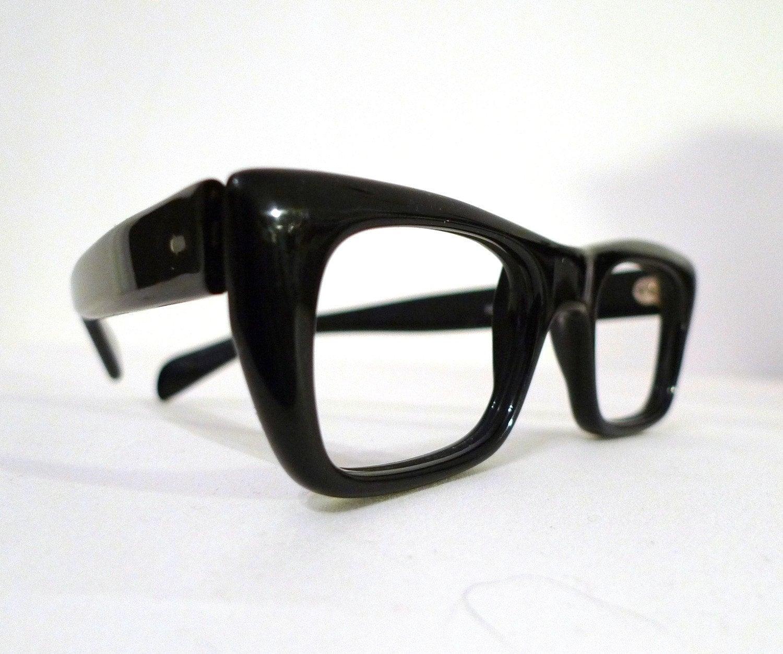 Featured Vintage Eye Frame