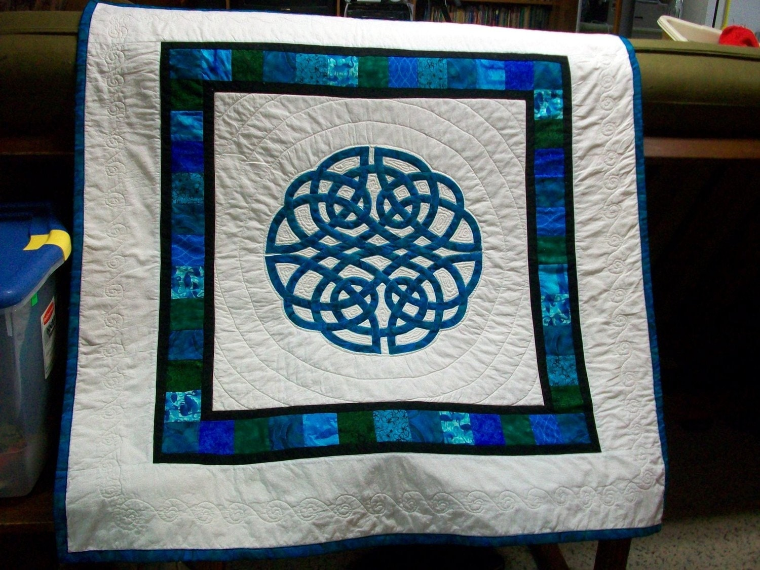 Aoife Celtic Knot Applique Quilt By Scholasticaquilts On Etsy