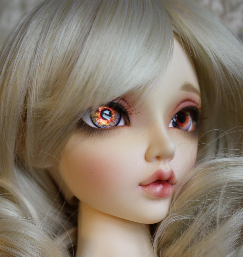 BJD eyes Doll eyes Hand made available in 12141618202224mm Glittering Pomegranate made to order