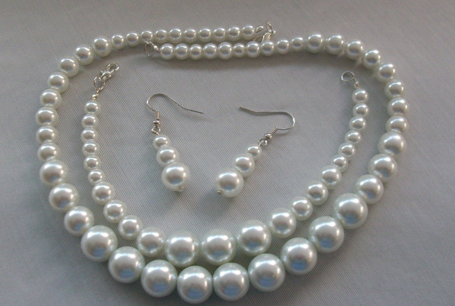 White Pearl Delight Set - Graduated Rounds