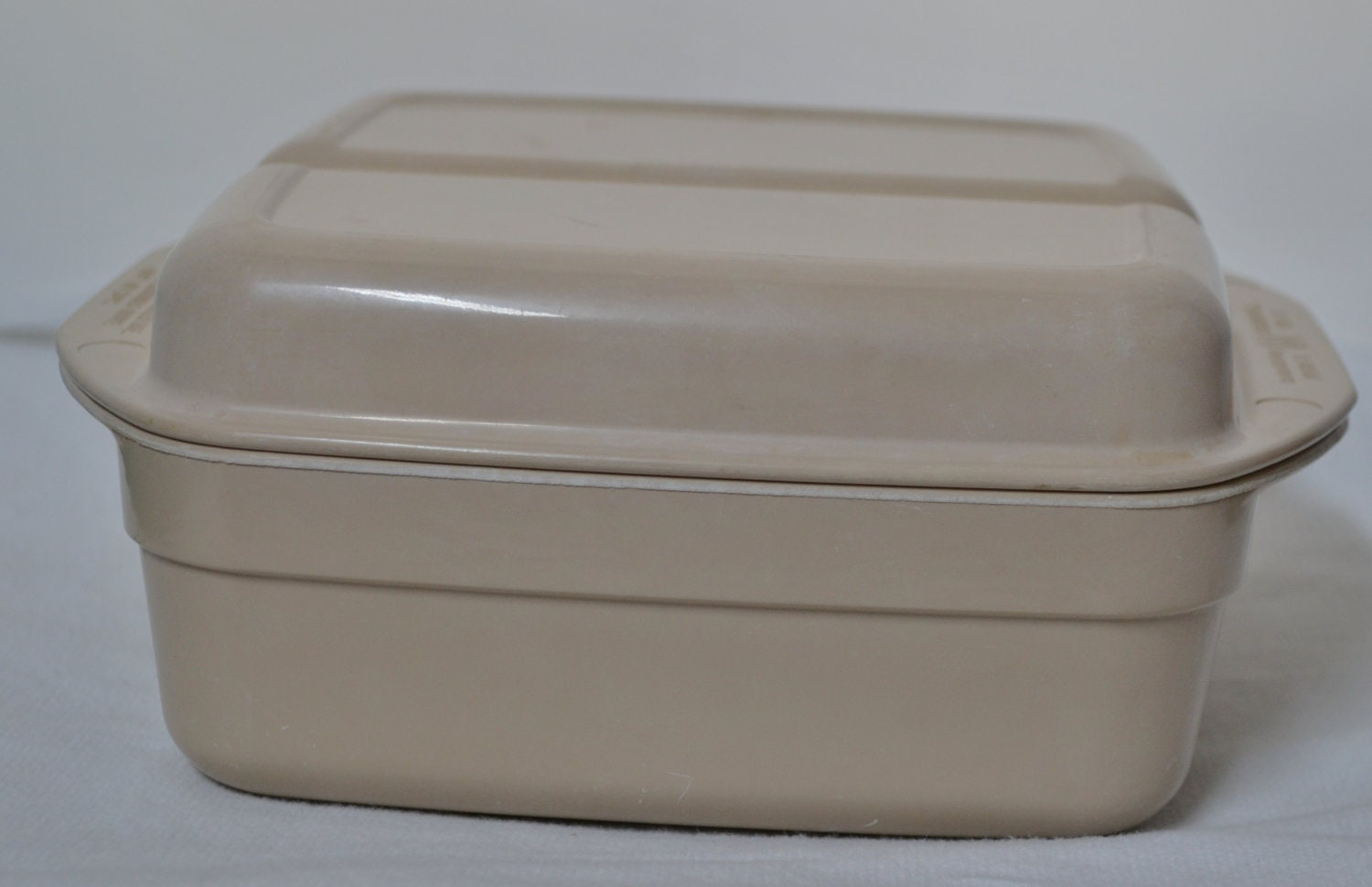 Vintage Anchor Hocking Microware Container By