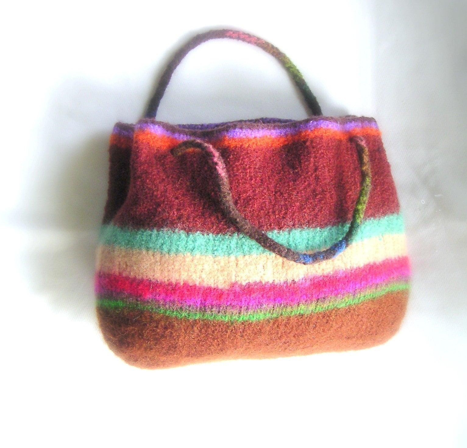 Knitted Mitten Patterns Free : Easy Knit Felted Pattern pdf Tote Bag by GraceKnittingPattern