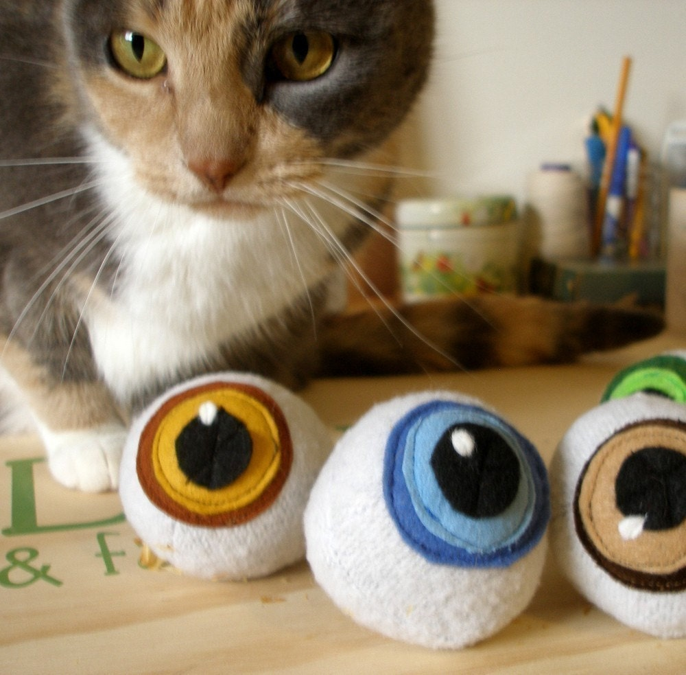 Catnip Eyeballs (Pair)