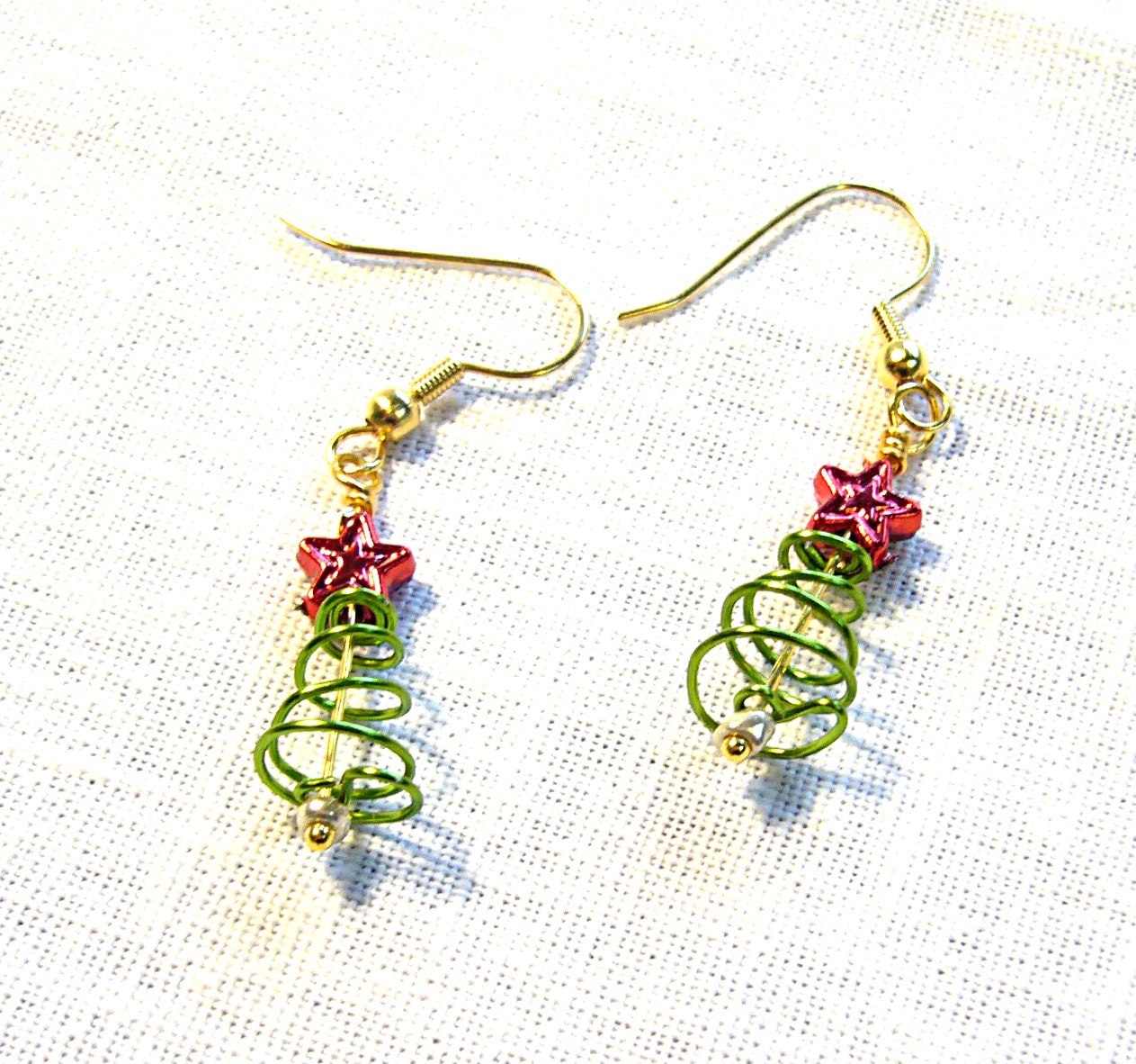 Christmas Tree Earrings with tiny star tops FREE SHIPPING  Wire wrapped beaded dangling earring - DaisyLuDesign