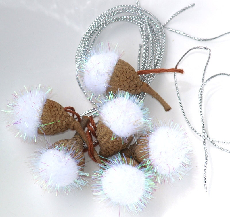 Gift bow White snow acorn pompom with silver wire/ ornament. Gift wrap supplies. - Daniblu
