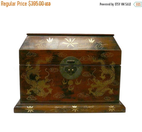 Whole Store Sale Chinese Light Brown Lacquer Golden Dragons Chest