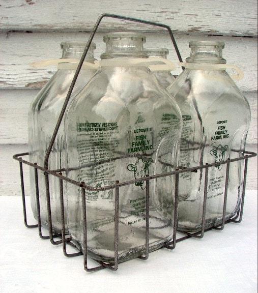 vintage glass milk bottles metal carrier set of by. Black Bedroom Furniture Sets. Home Design Ideas