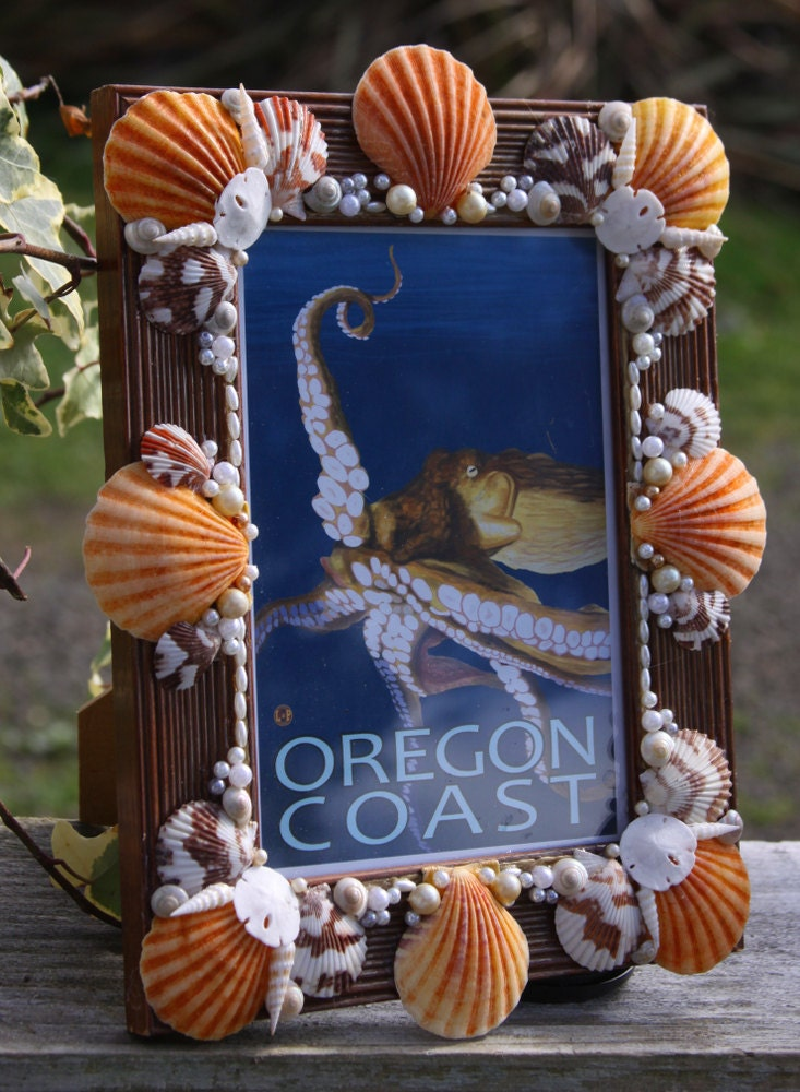 """Shell-Encrusted Vintage Wood Pictur e/Photo Frame 5"""" x 7 ..."""