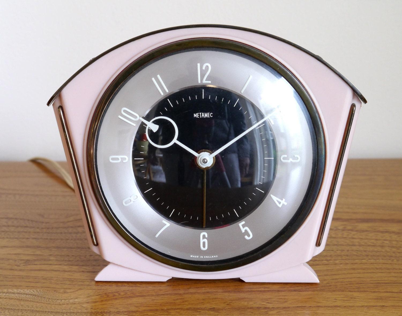 Fab pink Metamec bedside alarm clock table clock vintage clock