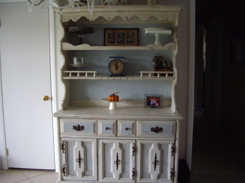 Items similar to Refinished Vintage Bassett Furniture