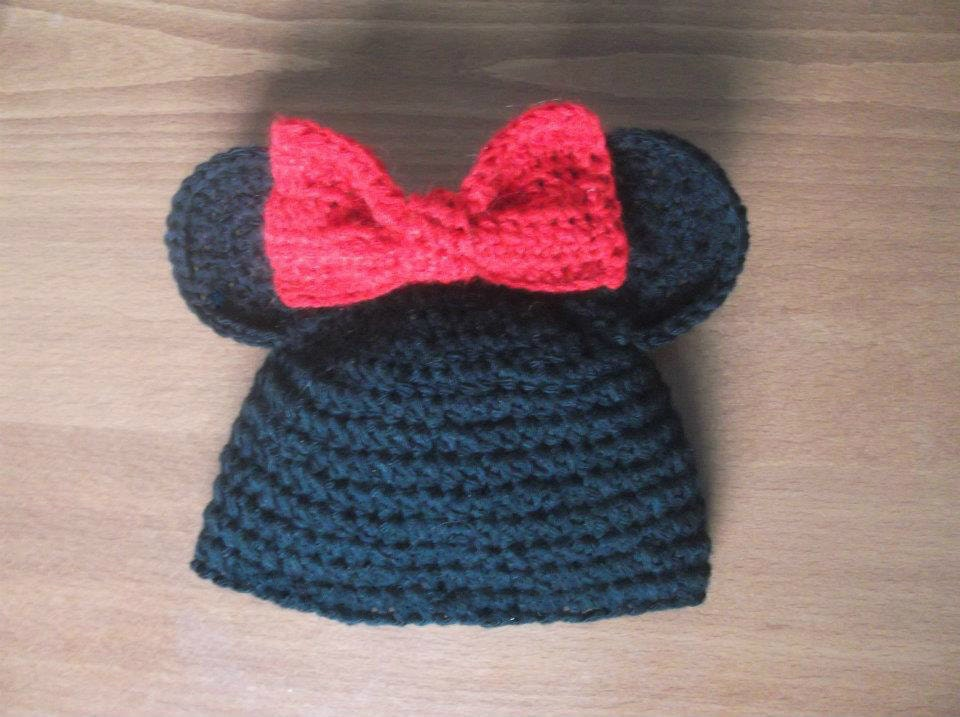 Minnie Mouse Crochet Hat Pattern Child : Items similar to CROCHET PATTERN Hat Mickey and Minnie ...