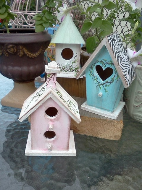 Mini Bird Houses Handpainted in Choice of 3 Colors
