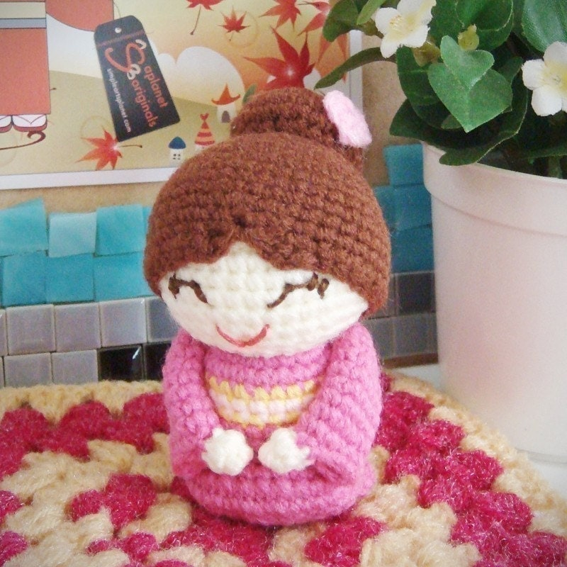 Amigurumi Japanese Patterns Free : hongtzu japanese mum amigurumi pattern by saplanetamigurumi