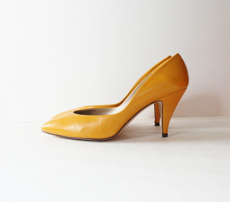 Vintage 80s MUSTARD Yellow Heels w/ by bluebutterflyvintage