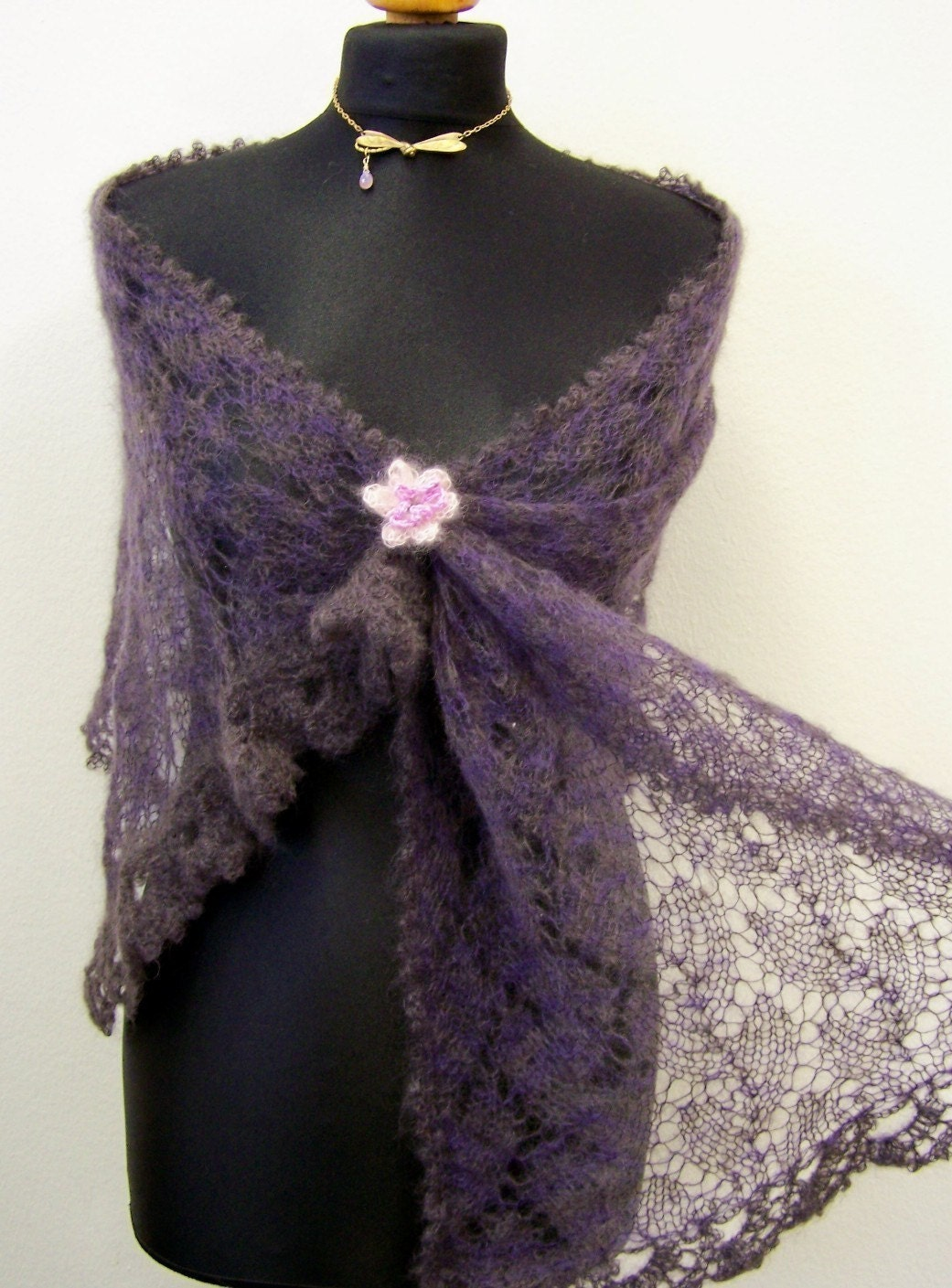 Knitting Patterns For Lace Stoles : stole knitting pattern two-coloured lace shawl pdf by Wollarium