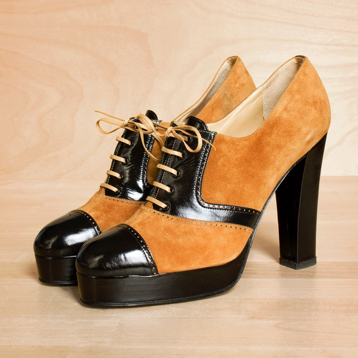 Italian deadstock shoes 9 9.5 / leather platform shoes / platforms 9
