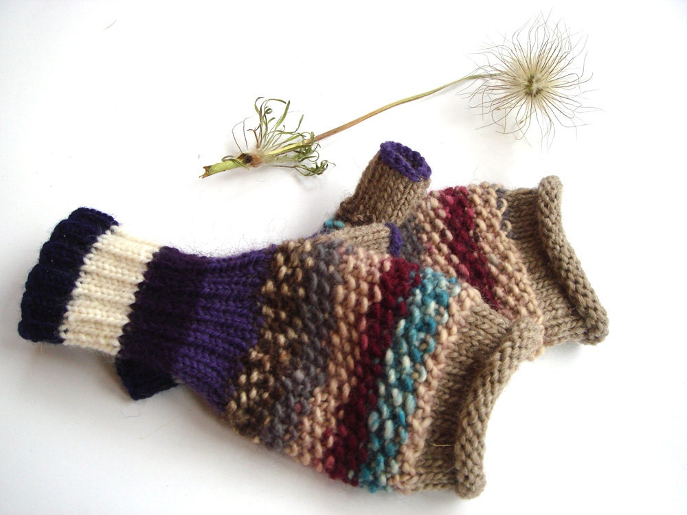 Purple women gloves, knit women gloves, original mittens, warm gift for her - RainbowMittens