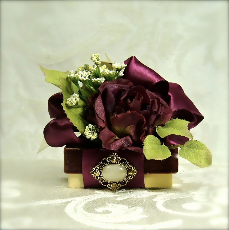 Burgundy Wedding Vintage Styled Favor Box Tip Gift Box Ideas Manicurist