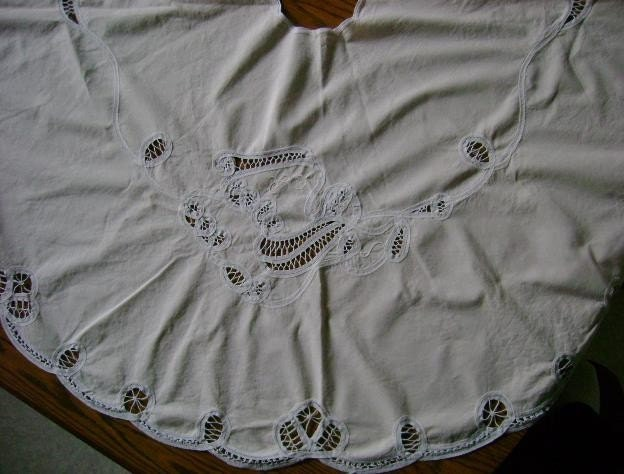 Vintage victorian christmas tree skirt winter white by ustabee