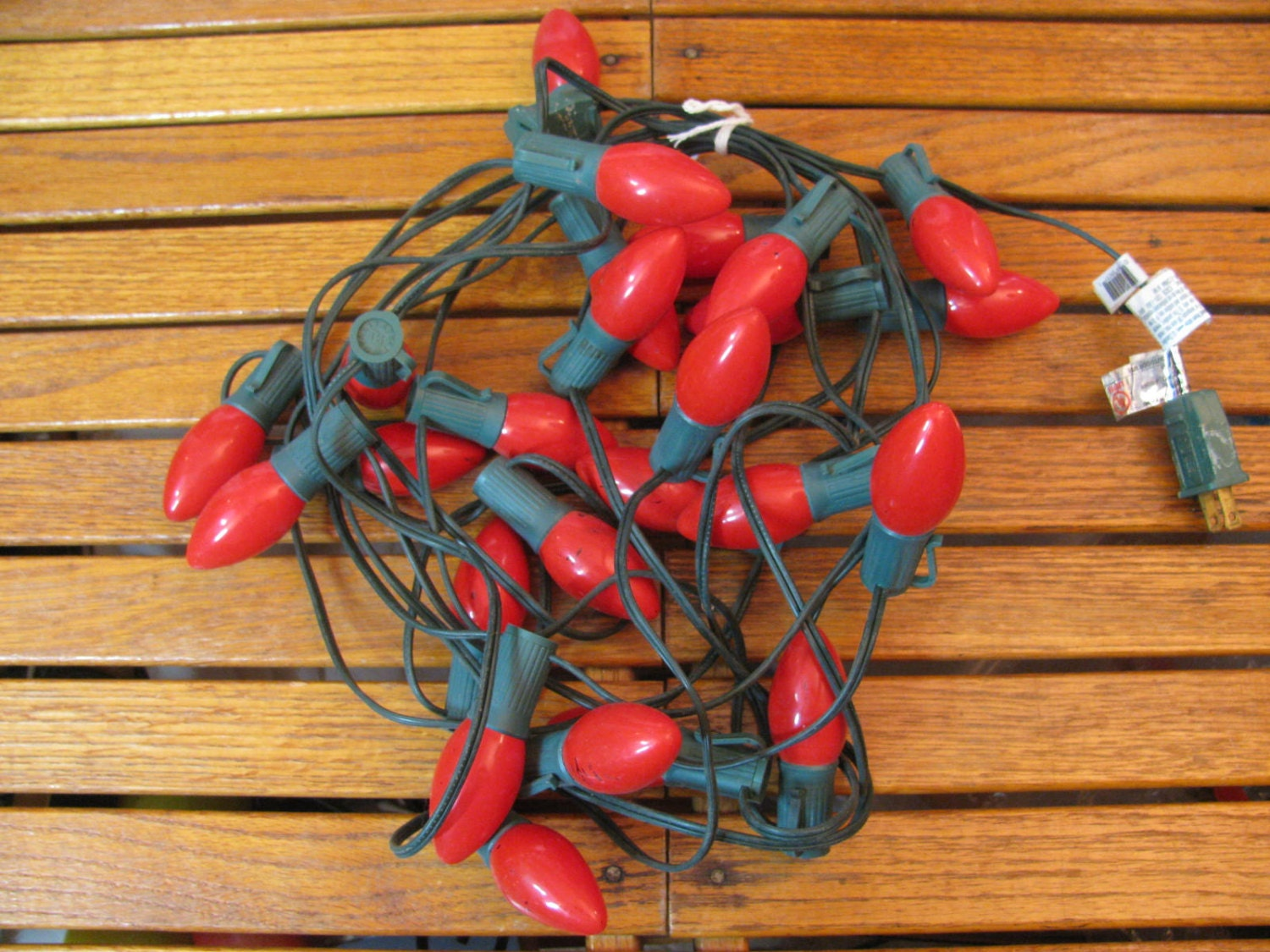 Vintage String Lights Etsy : Items similar to Vintage 25 Light String Christmas Red 1980s C 9 Strand Cristmas Tree Lights on Etsy