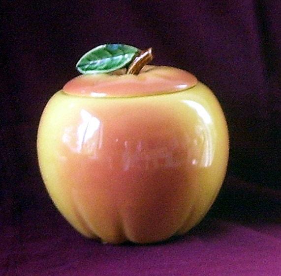 Vintage Mccoy Peach Colored Apple Cookie Jar By