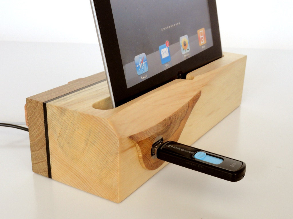 ipad dock ipad air dock with extra usb port by valliswood. Black Bedroom Furniture Sets. Home Design Ideas
