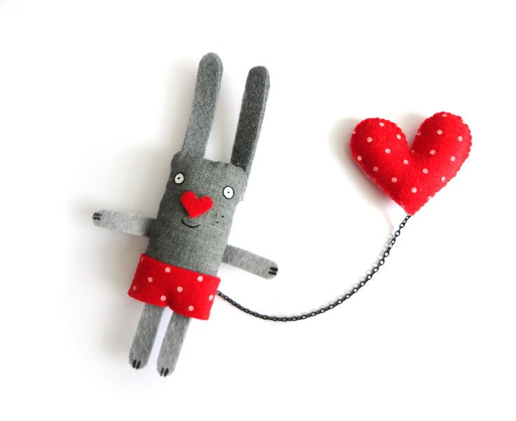 Bunny Felt Brooch - I have a Red Heart with polkadots. Cute. Rabbit. Pink and red. Eco felt. Vegan. - krize