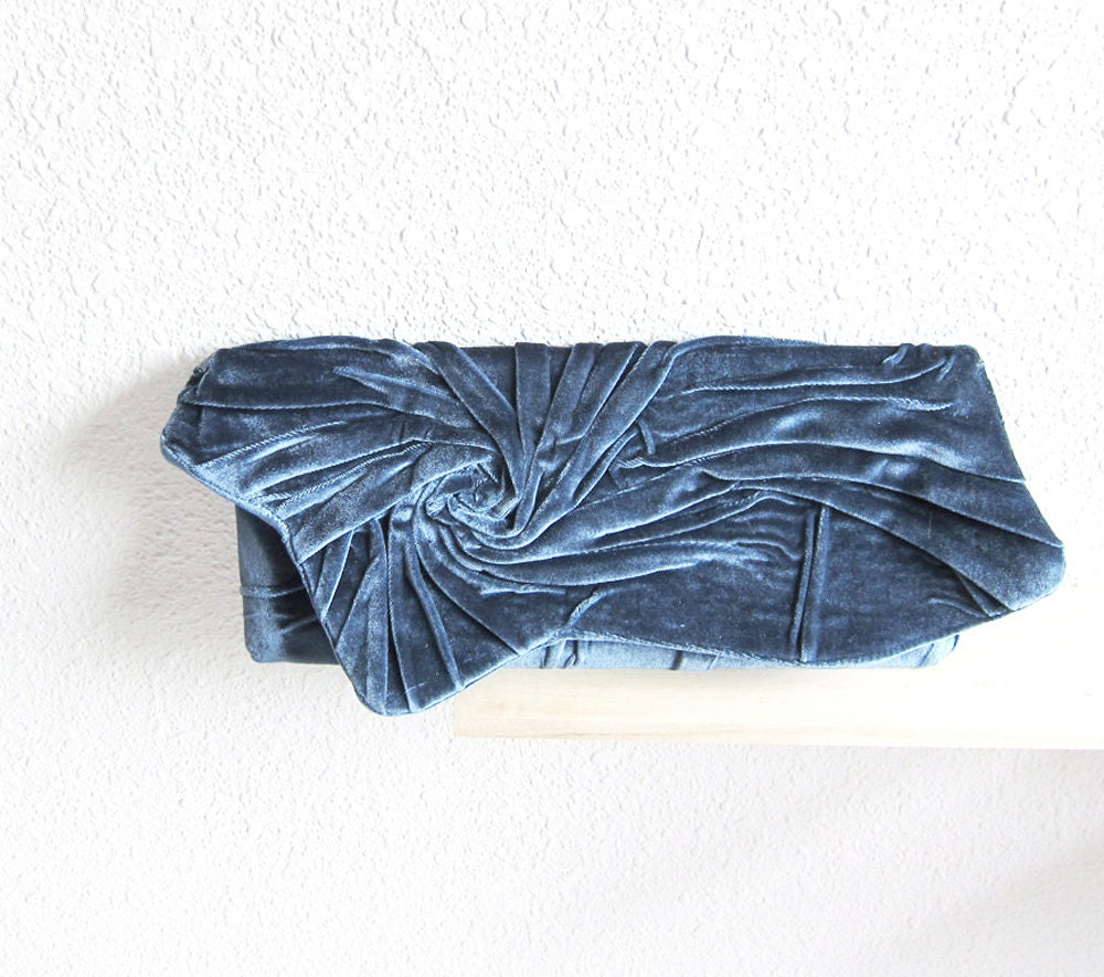 SALE Bridal Bridesmaid Pleated Clutch Purse in Teal Blue..Gift Brooch Wedding Clutch - Party Clutch..Retro Clutch - MariesCorner