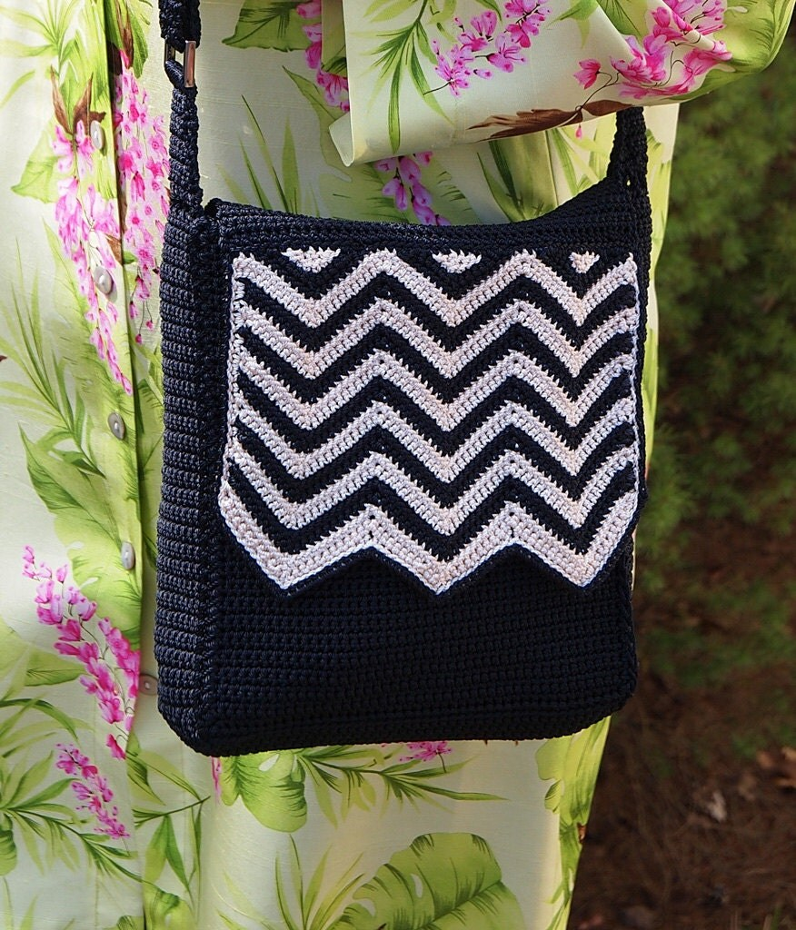 Crochet Crossbody Bag Pattern : CROCHETED MESSENGER BAG Handmade Flat Crossbody Purse Chevron Zigzag ...