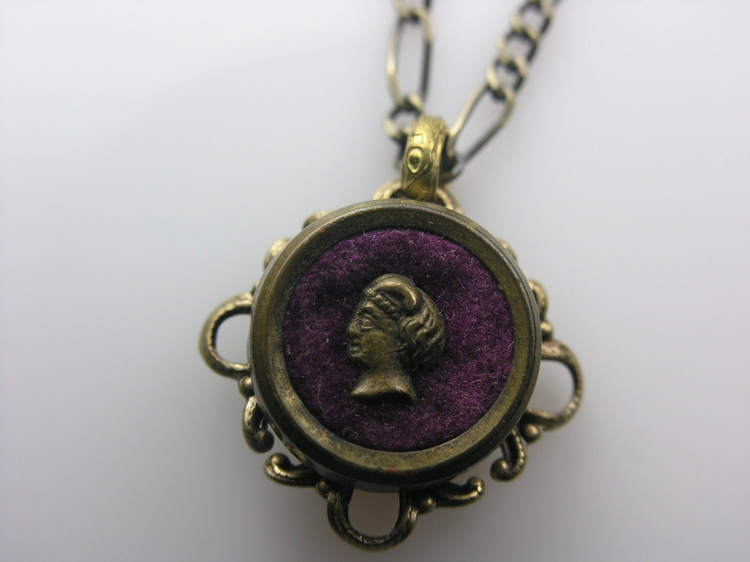 Antique Victorian Perfume Button Necklace (Purple Silhouette) - LiTelle
